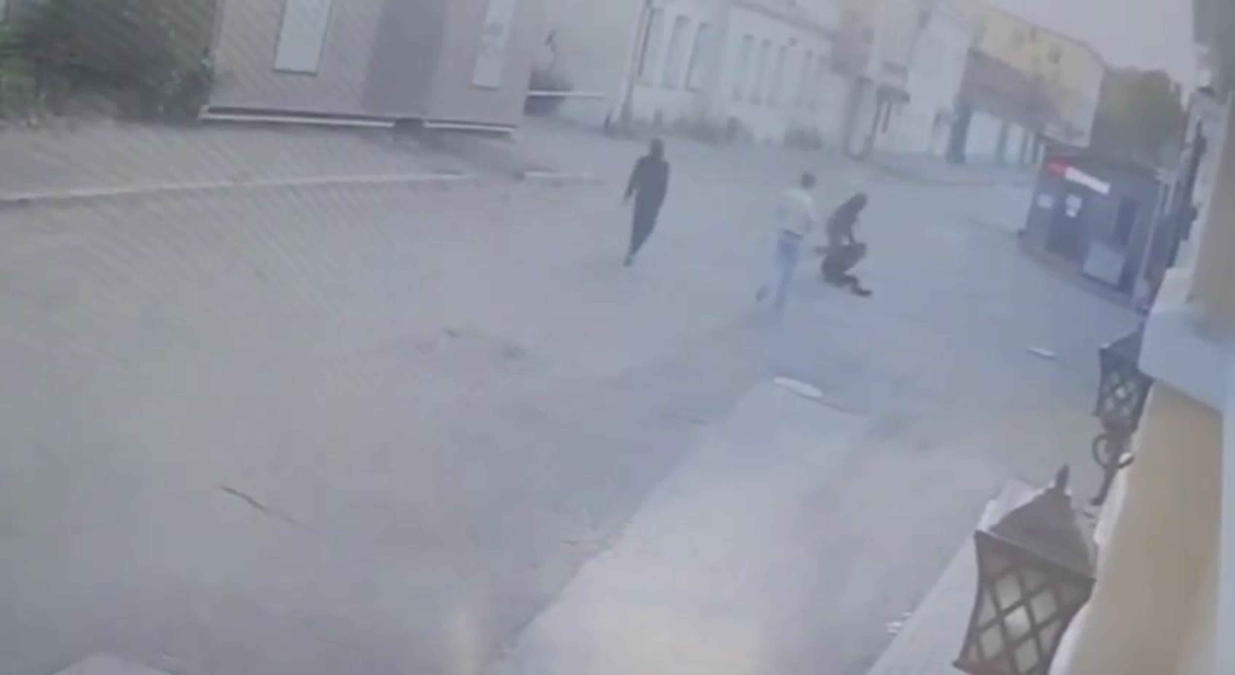 В центре Москвы приезжие подростки избили и ограбили прохожего