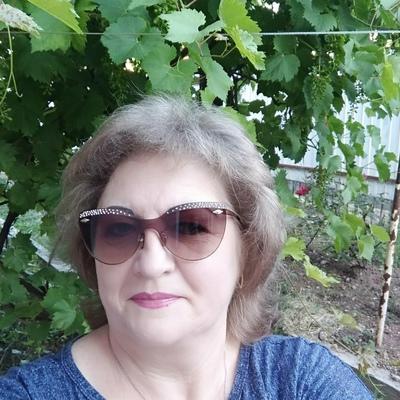 Елена, 58, Simferopol