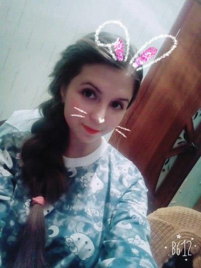 Алиса Жарова
